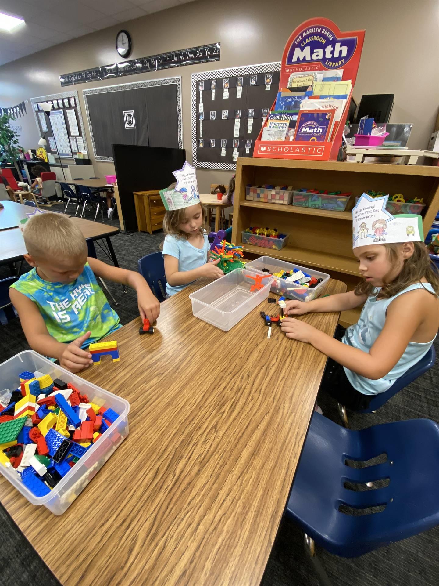 Kindergarten free choice station
