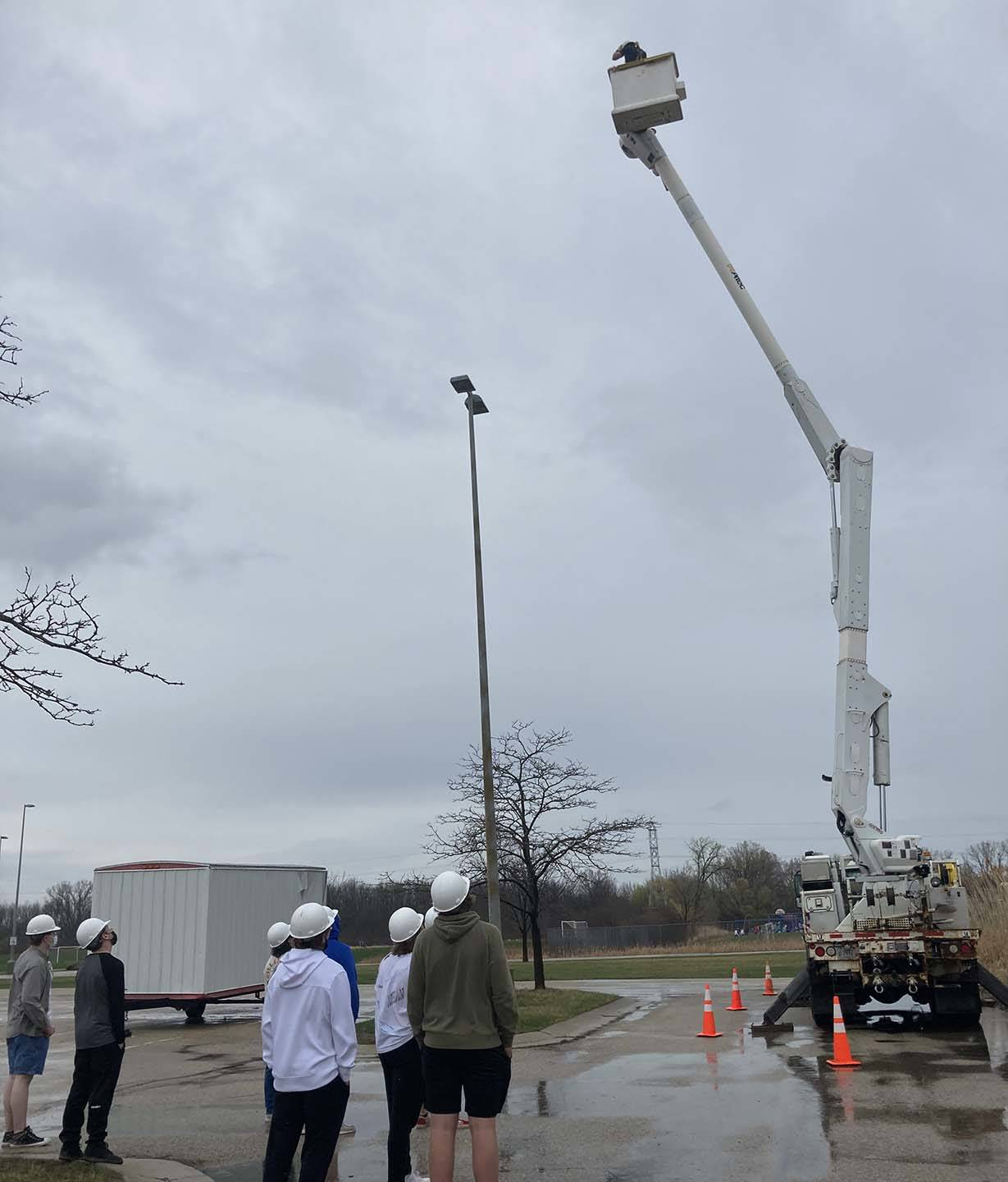 Alliant Energy presents high power line demo to ACE students
